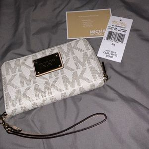 Michael Kors Wristlet / Phone Case
